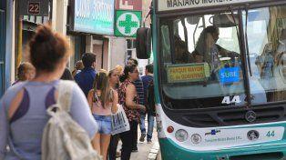 CON la SUBE. La mayoría de los usuarios del colectivo urbano en Paraná abonan una tarifa subsidiada