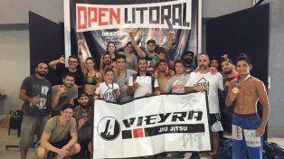 La plantilla. El equipo de la Academia Eduardo Vieyra alcanzó un merecido segundo lugar por equipos.