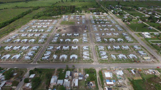 Inauguran 250 viviendas en San Benito