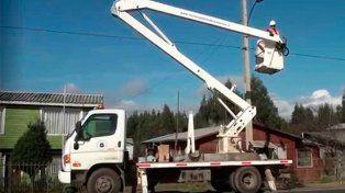 Trabajador murió tras recibir descarga eléctrica y caer al suelo desde una grúa