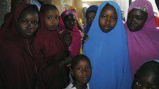 liberan a 91 de las ninas secuestradas por boko haram hace un mes en nigeria