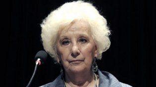 Carlotto consideró una provocación que se otorgue prisión domiciliaria al genocida Astiz