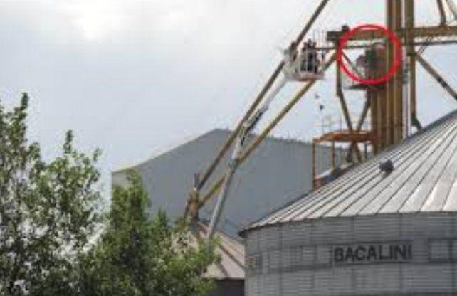Un operario de 22 años murió atrapado en la noria de un silo