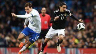 Argentina ganó con dos golazos en Manchester