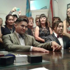 En un nuevo matrimonio igualitario, se casó un funcionario municipal