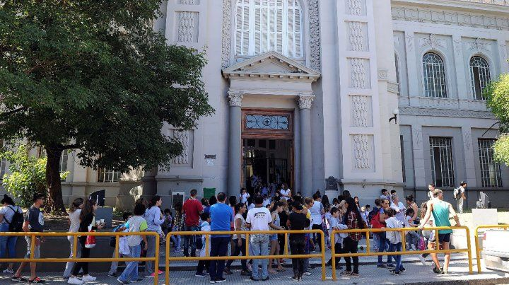 En la escuela Belgrano de Paraná no faltó el el viernes ningún docente y todos los grados tuvieron clases con normalidad.