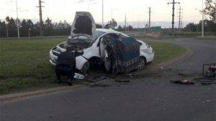 Dos personas murieron al chocar columna en la Autovía 14