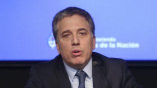 El ministro de Hacienda Nicolás Dujovne da una conferencia de prensa