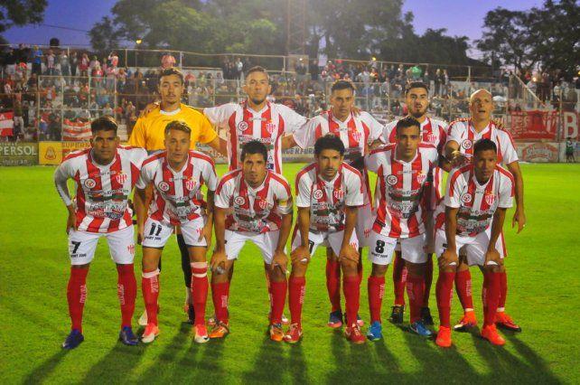 El plantel de Paraná que salvó la categoría. Foto UNO Juan Manuel Hernández.