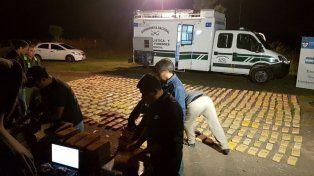 Secuestro. El operativo constató el hallazgo de 24 bultos que contenían 806 panes de droga.