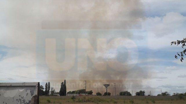 Paraná: Un incendio en la zona del parque industrial causa alarma en los vecinos