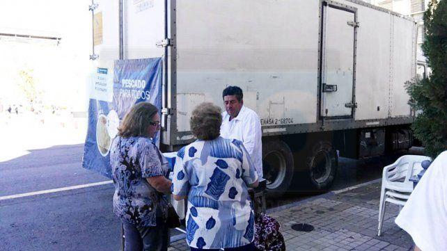 Esta tarde y el jueves siguen las ofertas de Pescado para Todos en Paraná