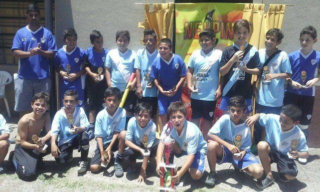 La religión y el deporte se unen en un club de Paraná para formar al semillero