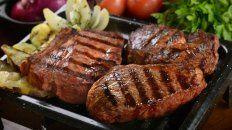 ¿por que los catolicos no comen carnes rojas en semana santa?