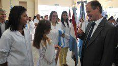 El Gobernador Bordet con estudiantes entrerrianos.