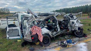 Impacto. El choque ocurrió a unos cinco kilómetros de la rotonda de acceso a Federación y las causas están siendo investigadas.
