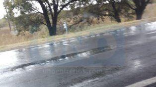 En Cerrito. El chaparrón también se hizo sentir en las secas calles aledañas a esta localidad.