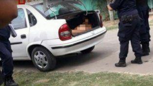 Horror en Pilar: hallaron el cadáver de un joven desnudo y apuñalado en el baúl de su auto