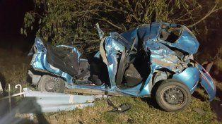 Seis heridos graves tras fuerte impacto entre dos autos sobre Ruta 12