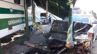 Violento choque contra una casilla de Gendarmería, por una frenada brusca
