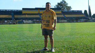 Sofía Molina en el Estadio Fragata Presidente Sarmiento del club Almirante Brown