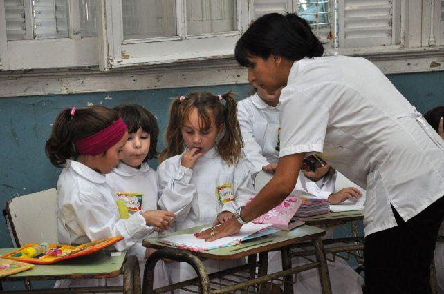 Los datos surgen del informe sobre las políticas públicas docentes presentado este miércoles por la Organización de Estados Iberoamericanos y el Diálogo Interamericano.