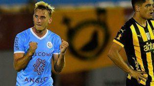 El festejo. El goleador de las divisiones inferiores de Boca logró debutar en la red en la máxima categoría. El sábado le arruinó la noche al Manya.