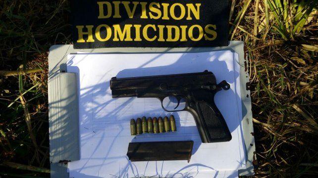 Por el ataque a un joven, secuestraron un arma y droga barrio Capibá