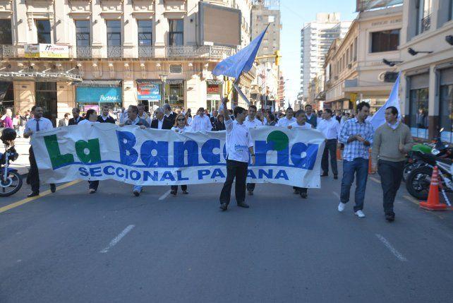 La Asociación Bancaria confirmó que de no haber acuerdo definitivo la semana próxima habrá otra huelga de 48 horas.