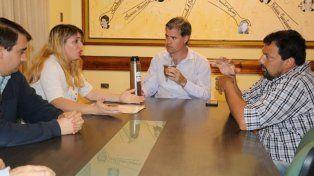 Piaggio. El intendente quiere dejar pago lo que invierta en pavimento.