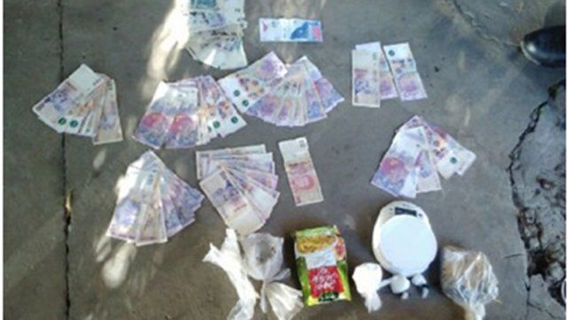 Plata y droga. El sospechoso quedó vinculado en la causa por venta de estupefacientes.