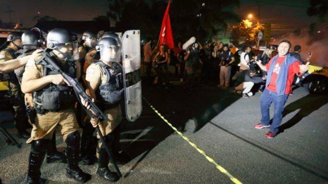 Al menos nueve heridos por disparos con balas de goma frente a la prisión de Lula