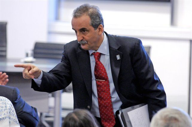Procesaron y embargaron a Guillermo Moreno por amenazas a accionistas del Grupo Clarín