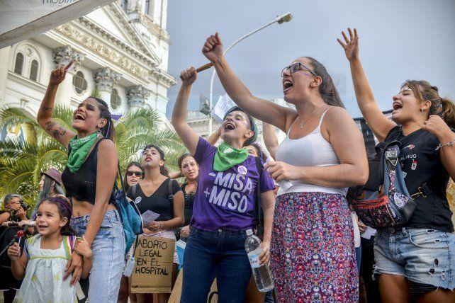 En Paraná hubo pañuelazo por el aborto legal, seguro y gratuito