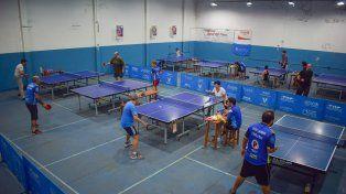 Enrique Amore gritó campeón en el torneo Paranaense de tenis de mesa