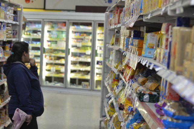 Pocas compras. Las bajas ventas y la disminución del consumo minorista se advierte cada mes en las estadísticas de todo el país.