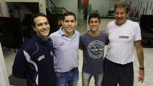 Juntos. La dirigencia de Paraná y jugadores de elite que cuentan el deporte a nivel internacional. Ellos trabajan duro para que la disciplina tenga adeptos y no decaiga.