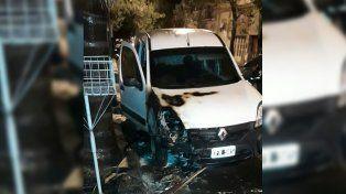Incendiaron el auto de una autoridad del Servicio Penitenciario