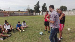 Tony Fontana recorre los clubes de la Liga Paranaense de Fútbol