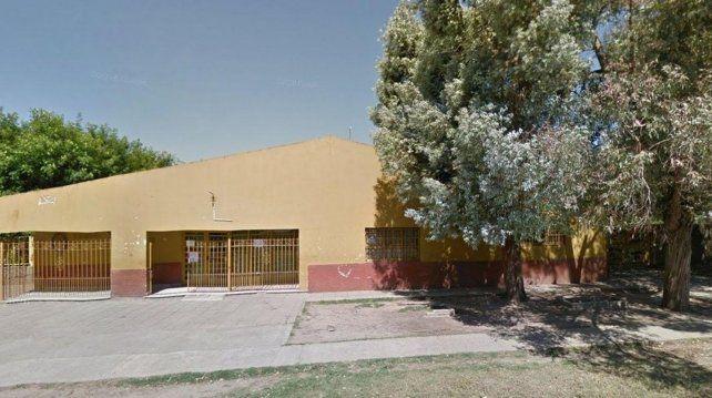 La raptaron frente a su colegio y la violaron en un descampado