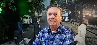 De visita. Emerick fue ingeniero de sonido de los discos revolucionarios de los Bealtes: Revolver y Sgt. Peppers