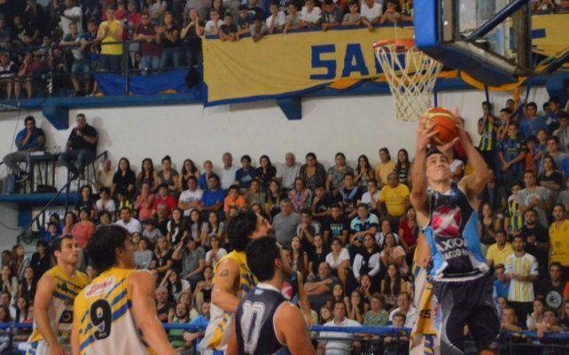 Triunfazo. San José empató la serie el domingo al ganar el cuarto partido por 80 a 73 en su casa.