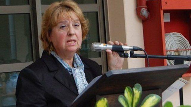 Landó argumenta que al momento de desempeñarse en la Dirección Departamental de Escuelas de Gualeguaychú optó por continuar percibiendo su haber de pasiva.