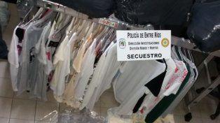 Robaron en varias tiendas y luego vendían la ropa por Facebook