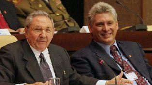 Juntos. Castro asumirá como primer secretario del Partido Comunista para acompañar a su delfín.
