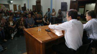 Esclarecimiento. Kueider recorre diferentes puntos de la provincia reuniéndose con militantes justicialistas.