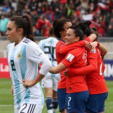 La Selección femenina de fútbol fue goleada ésta tarde por Chile 4-0.