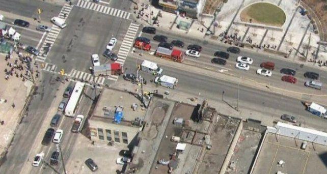 Nueve muertos y 16 heridos por una furgoneta que arrolló a 10 personas
