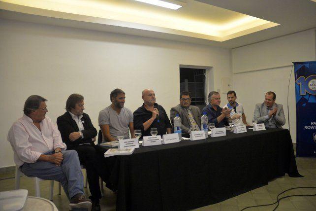 Conferencia de prensa. La actividad se realizó en el Salón Ateneo de la sede social de avenida Costanera de la capital entrerriana.