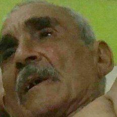 Buscan familiares de un hombre que fue encontrado deambulando en Mulas Grandes